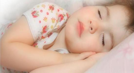 Ребенок во сне