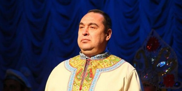 Плотницкий на сцене театра в Луганске 31 марта